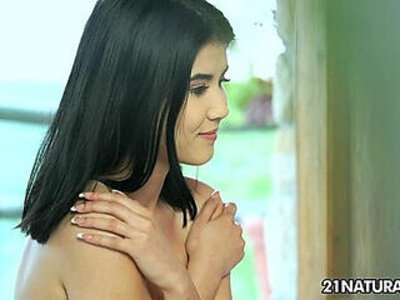 Cute lady d teases with amazing body | -amazing-cute-innocent-lady-