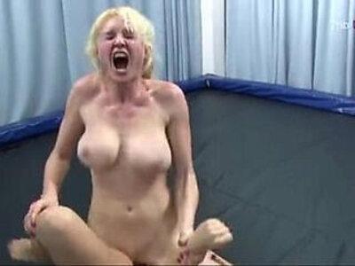 Wrestling sex con lesbianas guarrillas | -wrestling-