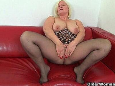 British milf Aunty Trisha soaks her nylons and fucks a dildo | -aunty-british-dildo-nylons-
