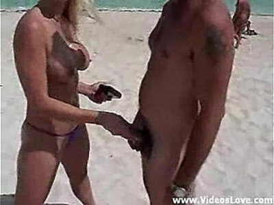Nikki Hunter Nude Beach | -beach-big tits-hunter-nudity-