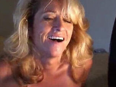 Doggystyle blonde mature | -blonde-doggy-mom-