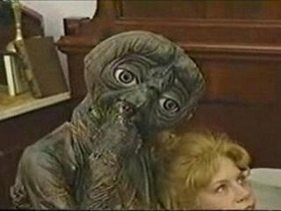 ET | -bizarre-