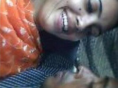 Bangladesh boy kissing girflriend   -boy-indian-kissing-