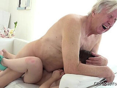 Old goes young luna rival gets double fucked while she vacuums the rug | -double-old and young-older-young-
