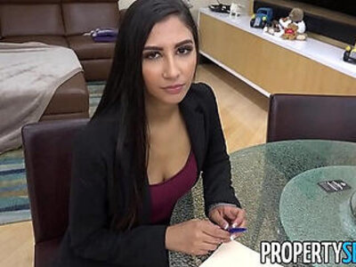 PropertySex Hot real estate agent cheats on boyfriend to land real estate deal | -agent-boyfriend-exotic-