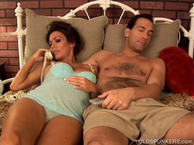 Pretty pregnant amateur girl loves the taste of cum   -brunette-cum-love-pregnant-pretty-