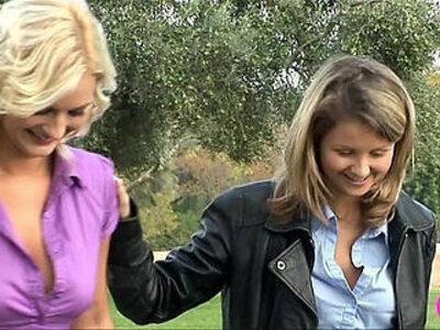 Blonde Lesbian Lovers Viv Thomas HD   -blonde-cunnilingus-high definition-lesbian-