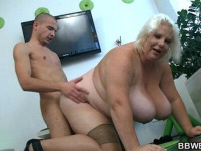 Huge blonde lady gets doggystyled | -bbw-blonde-lady-