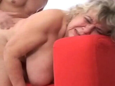 Stunnigly hot mature fucking hard | -granny-