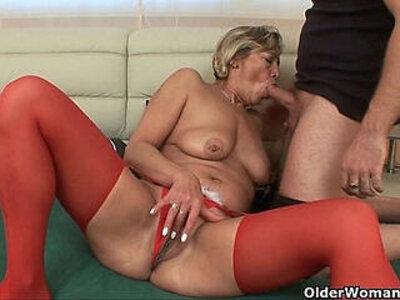 Grandmas pussy gets finger fucked by her toy boy | -boy-fingering-grandma-pussy-toys-