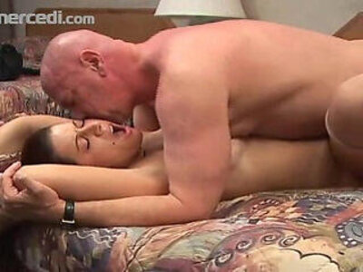 Chunky chick fucks older man and swallow   -bbw-chick-daddy-older-swallow-