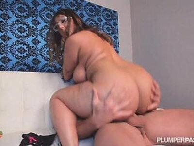 Sexy Big Ass Boss Lexxxi Lockhart Fucks in Office Stud | -big ass-boss-office-sexy-