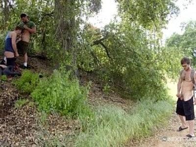 donte thick joins 2 hunks in public park nextdoorstudios | -park-public-thick-