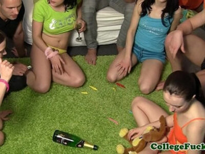 College sexgamers spinning the bottle | -bottle-college-teenager-