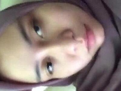 Jilbab Muslimah Masturbating | -indonesian-masturbation-