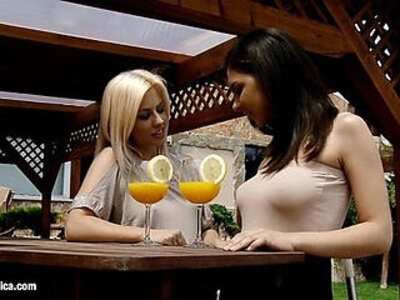 Mimosa munching by sapphic erotica lesbian sex with henessy elma   -erotica-lesbian-
