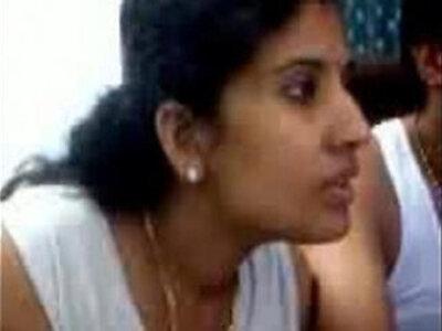 Tamil sexy   -aunty-sexy-tamil-